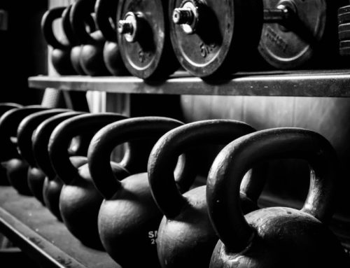 Dumbbells or Kettlebells? | Effective Training & Higher Muscle Gains